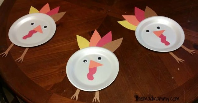 Make your own Paper Plate Poultry with this fun Thanksgiving craft!
