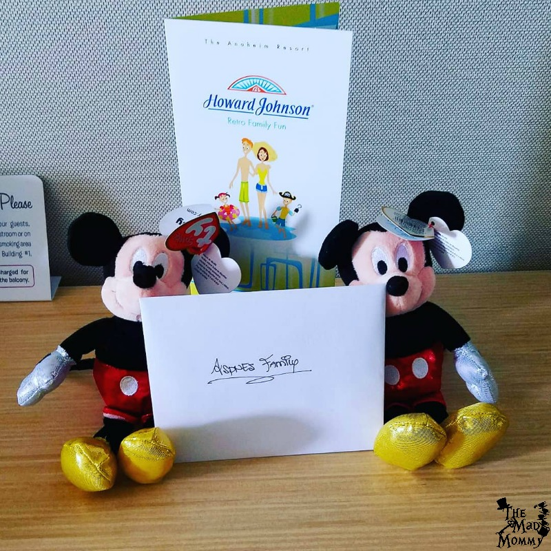 We were also greeted by a couple of Mickey dolls and an awesome note from the HoJo Anaheim staff!