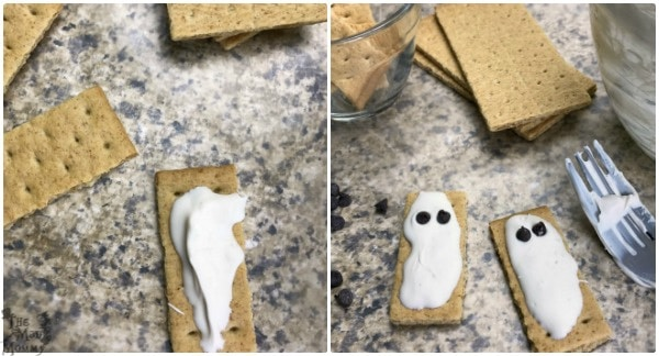 Making an easy and cute Halloween treat!