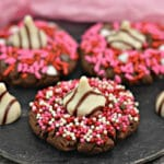An easy Valentine cookie, complete with hugs and kisses!