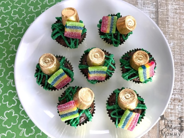St. Patrick's Day is approaching and I am sure the Pinterest moms are flooding your news feed with amazing St. Patrick's Day fodder. Check it, I've got a recipe that will win hearts and save you some time. I call them Leprechaun-Sized Brownie Bites.