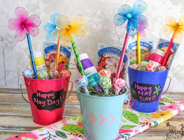 The old tradition of hanging May baskets on doorknobs is so fun. People make small baskets filled with treats or flowers to give secretly to friends and neighbors. It is customary to leave the basket on the doorstep of a neighbor or friend, ring the doorbell and run away.